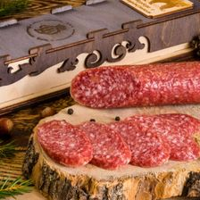 Колбаса из мяса Медведя с пармезаном