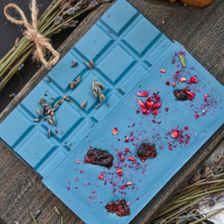 Шоколад белый 40% с лавандой, голубой спирулиной