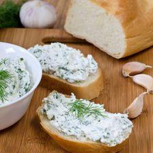 Сыр с зеленью и чесноком (мягкий)