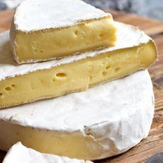 Сыр Бри с маслом белого трюфеля