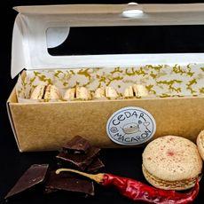 Кедровые макаруны «Черный шоколад с перцем» 6 шт