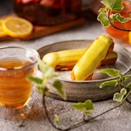 Эклер с лимонной начинкой