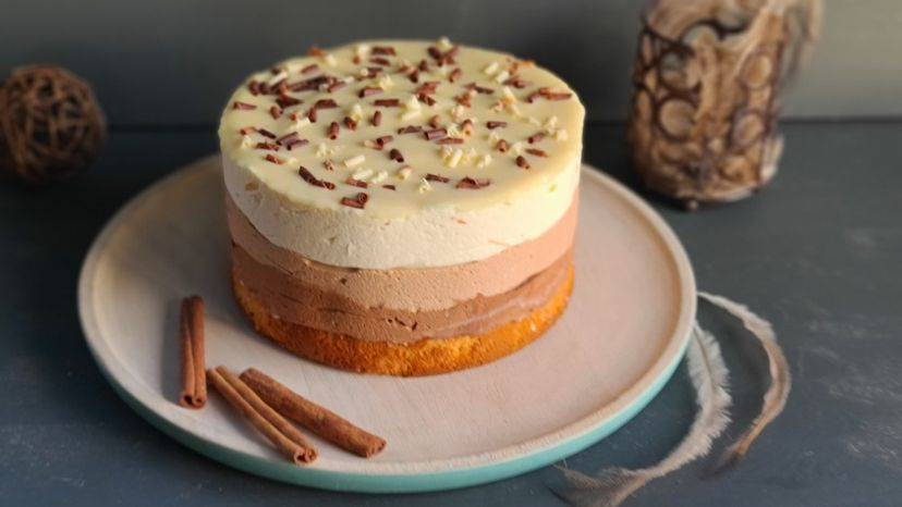 Торт муссовый три шоколада
